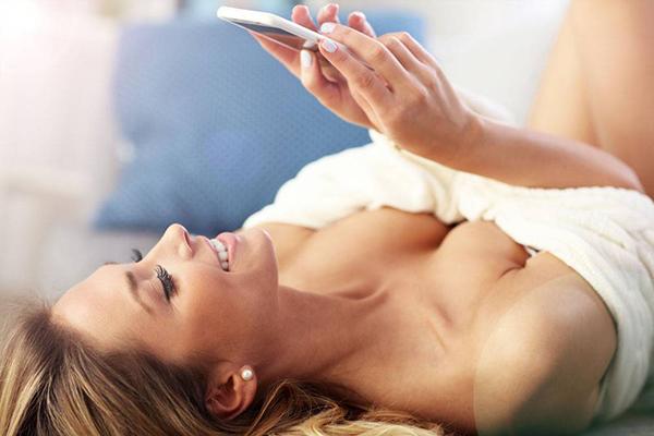 女人胸部外扩怎么改善 如何判断胸部是否外扩