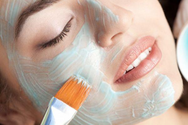 牙膏涂在脸上一晚错误使用后果很严重- 美容护肤- 辣妈女性网