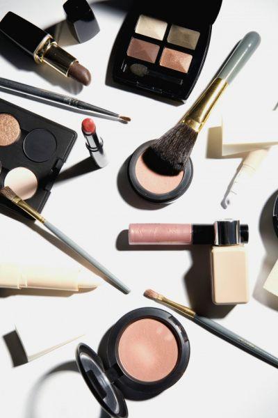 中学生化妆的危害 会导致长痘痘