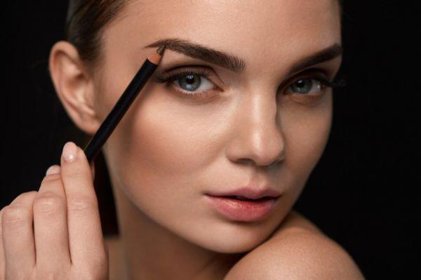 便宜的眉笔对皮肤有影响 这三点需要注意