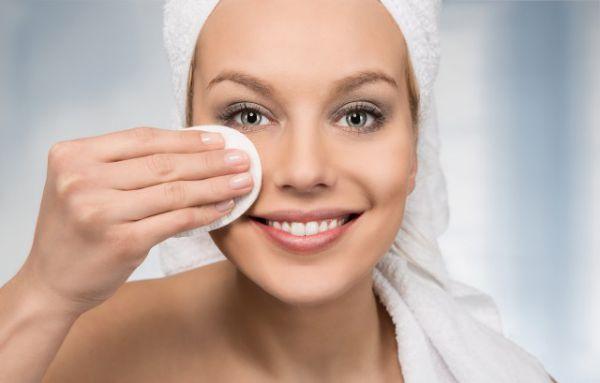 卸妆油能够直接涂脸上吗 你不得不知道的化妆注意事项