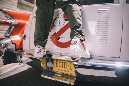 鞋款像空军一号 鞋标又像小星星 这双潮牌联名是要闹哪样?