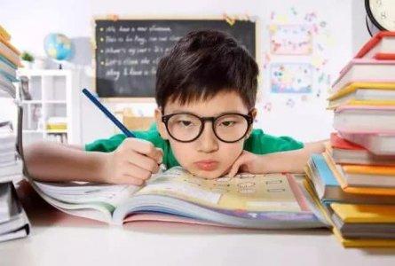 近视爆发的年龄段是多少岁?眼科专家:呵护眼健康做好6件事