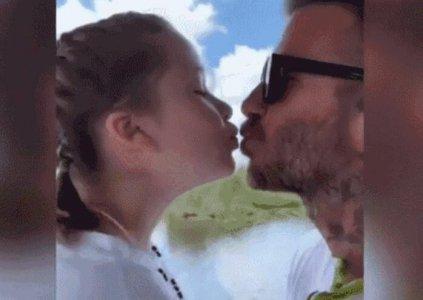 贝克汉姆吻女儿 被骂令人起鸡皮疙瘩和诡异