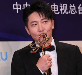 郭京飞获最佳男配角 姚晨依旧是获奖绝缘体