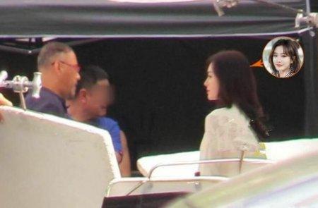 秦岚和导演疑起争执 只顾着做造型的她被质疑耍大牌