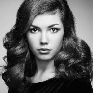 头发多的女生合适什么发型 教大家变好看