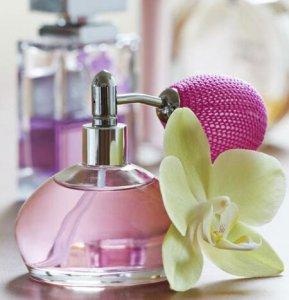 女生一般用什么味道的香水 介绍七种经典香水给你