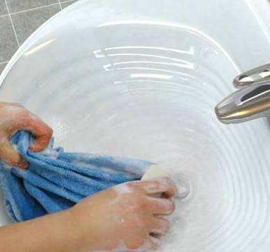 毛巾用久了又臭又滑怎么办?
