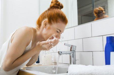 洗面奶的正确使用方法 用对洗面奶才不会让皮肤变差