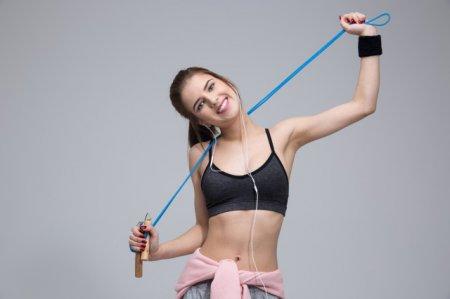 如何减掉手臂拜拜肉 4个手臂训练方法 轻松消灭拜拜肉