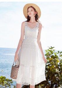 仙气十足的小白裙 蕾丝的会更有魅力
