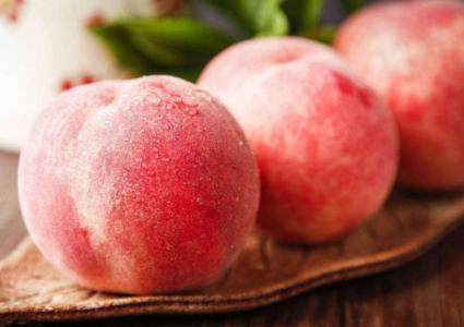 桃子怎么放不会坏 桃子放冰箱一个月没坏技巧