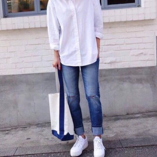男士白色衬衫 小白鞋