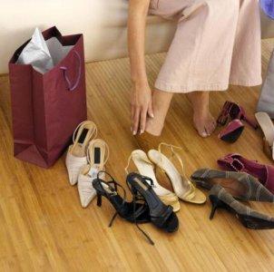 随着社会经济水平的提高和人们消费水平的提高 商场买鞋子注意哪些问题?