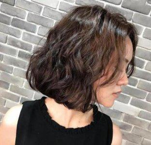 脸型决定发型 脸长的女生适合什么样的发型?