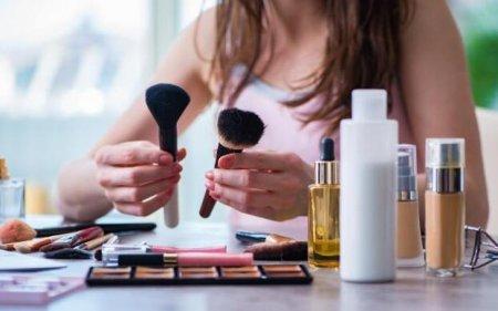 对于很多化妆新手来说 bb霜和粉底液可以一起用吗?