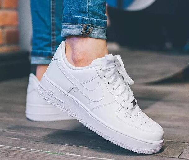 耐克空军一号板鞋