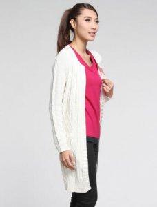 白色针织外套相信是很多女性朋友的心头爱 白色针织外套怎么搭配颜色
