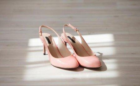 皮鞋是我们日常必须穿着的一类鞋子 皮鞋蹭掉皮怎么办 修复小妙招