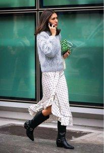 已经入秋了 冬季毛衣什么颜色显白?