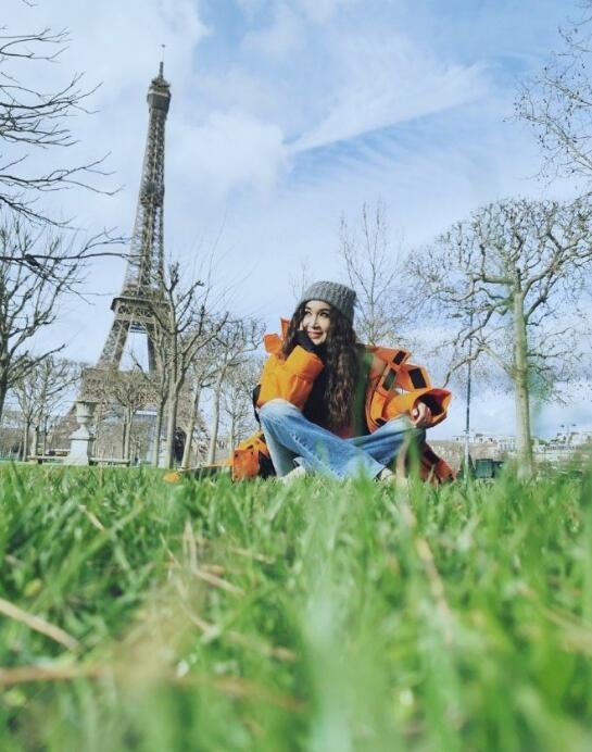温碧霞晒巴黎旅行美照