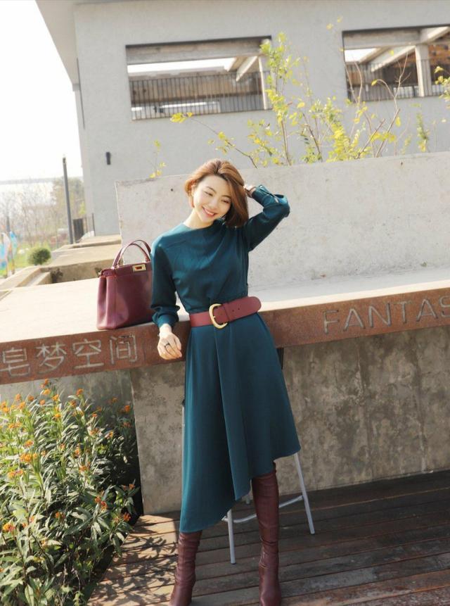 简约的衣服往往才能体现出自己的气质三十岁女人的穿着打扮