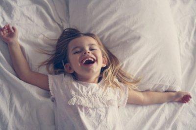 孩子睡得很晚一直玩怎么办?掌握这五个方法改善孩子坏习惯