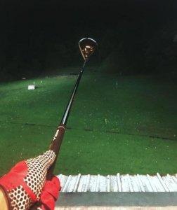 罗志祥晒打高尔夫照 深夜运动孤身一人稍显落寞
