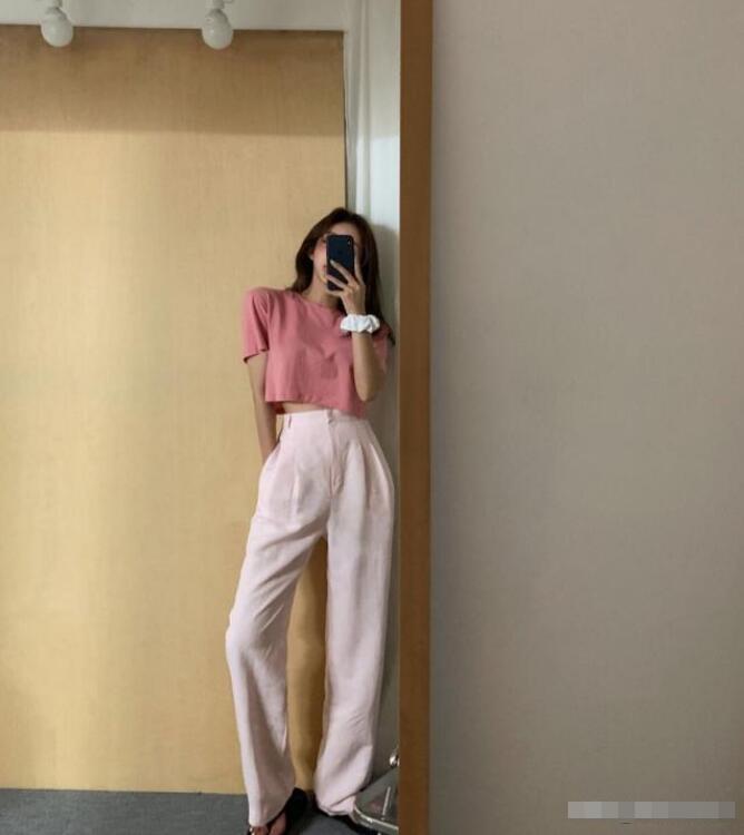 你好根据你的问题韩版的衣服有什么特点?