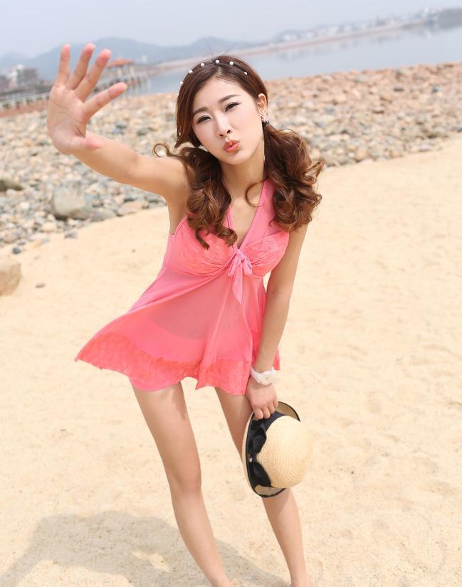 夏天到了女性穿三点式泳衣的注意事项是什么?