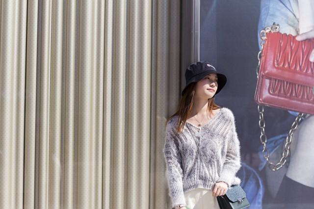 短款毛衣怎么搭配让你轻松穿出优雅流行