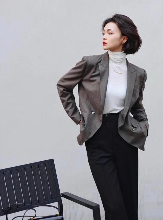 40岁的女人40岁女人怎么穿衣搭配