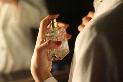 女士喷香水的正确方法 五个喷香水雷区的要避开提升女人魅力