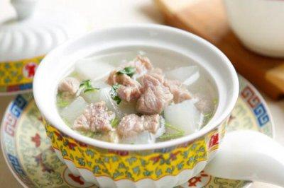 羊肉汤的做法 萝卜羊肉汤的做法家常做法