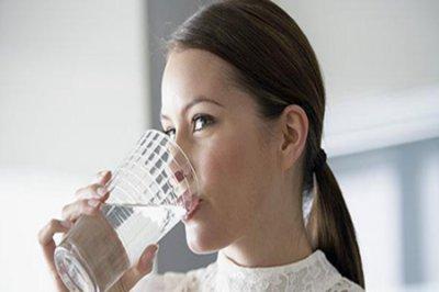 晨起如何喝好第一杯水?喝水养生小秘诀大公开!