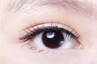 上眼皮松弛怎么办?四个方法能预防女人上眼皮松弛下垂
