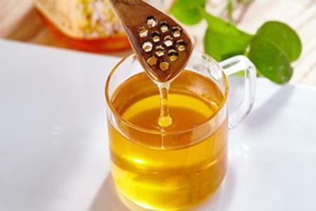 蜂蜜怎么做可以保养皮肤?蜂蜜搭配这些东西秒变美容神器