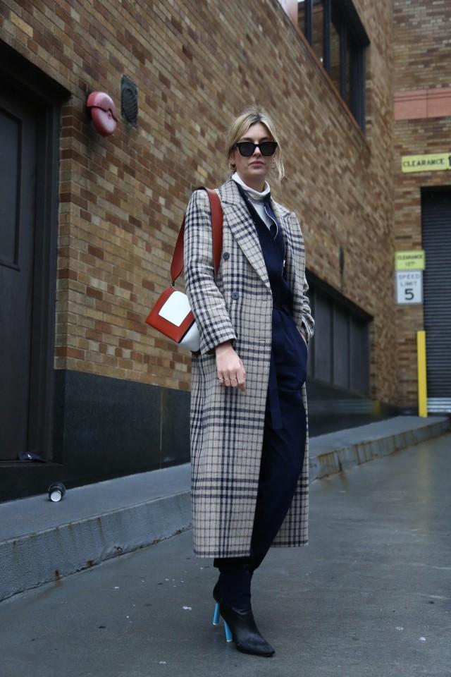 穿大衣搭配什么内搭好看 合适和大衣搭配的内搭单品