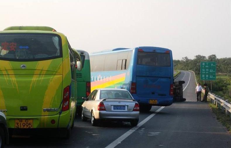 客车高速驾驶技巧