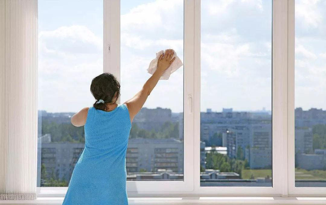 家政擦窗技巧