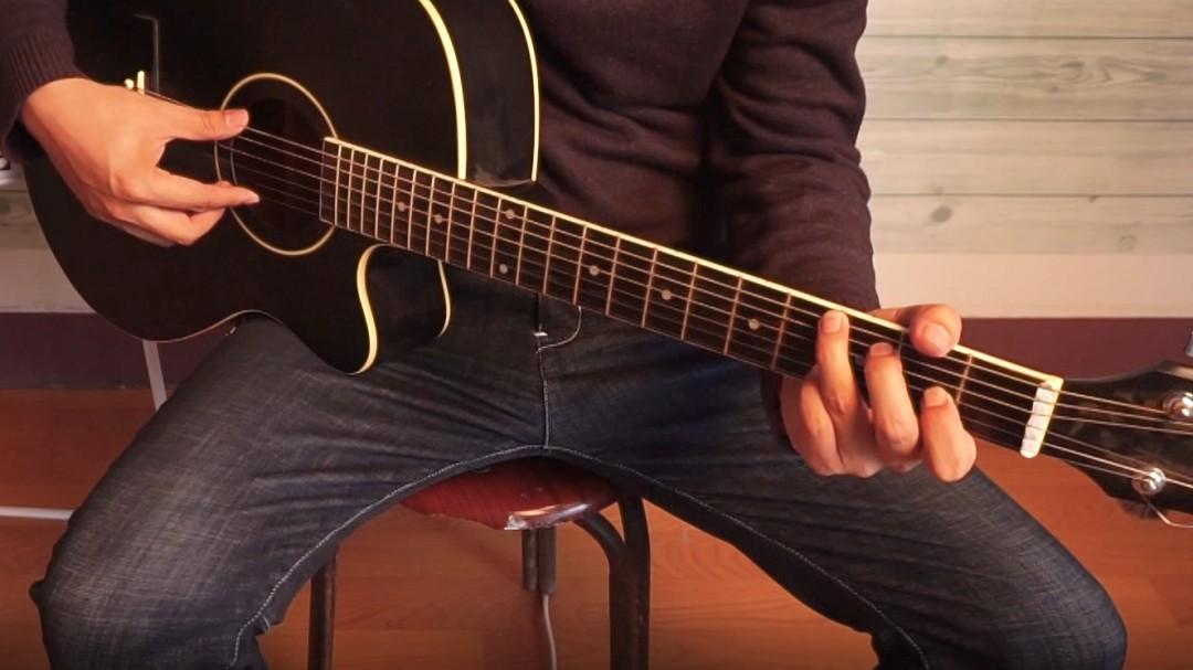 弹吉他的最简单方法技巧