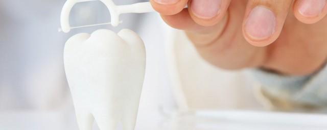 年纪大了矫正牙齿选什么方法