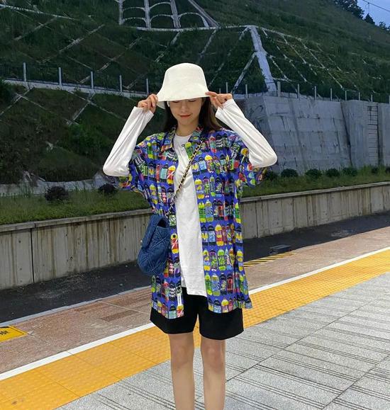 沈梦辰今年夏天每次外出时都喜欢的衣服