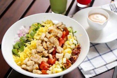 减肥晚餐吃什么?三个女人减肥时吃晚餐原则