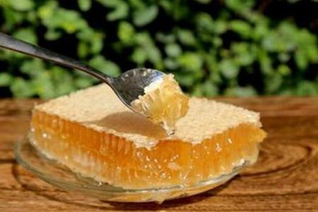 蜂巢蜜的作用与功效
