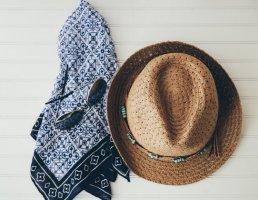 丝巾常见系法 夏季丝巾当披肩怎么用