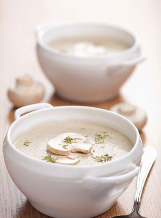 适合夏季喝的下火汤:芥菜鱼头豆腐汤