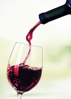 喝杨梅酒对身体有什么好处 杨梅酒的功效与作用