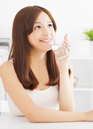 专家支招:夏季喝水健康须知项